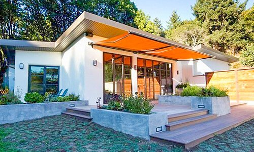 markise auf ma f r balkon und terrasse gibt es hier. Black Bedroom Furniture Sets. Home Design Ideas